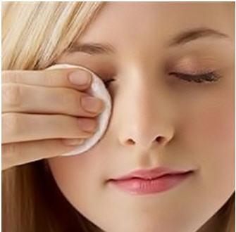 پاک کننده آرایش چشم و لب لاکورت
