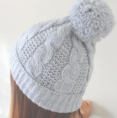 خرید کلاه منگوله دار کوتاه دخترانه تک رنگ