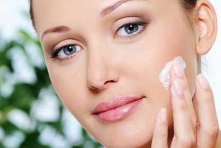 -روش-های-درمان-خانگی-لکههای-سیاه-پوست-www.20to20.ir_ بهترین روش های درمان خانگی لکههای سیاه پوست